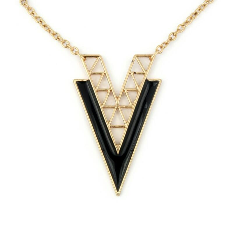 Vogue V nyaklánc - fekete